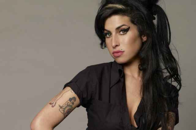 Amy Winehouse- Ένα Μεγάλο Ταλέντο που Έσβησε Νωρίς.