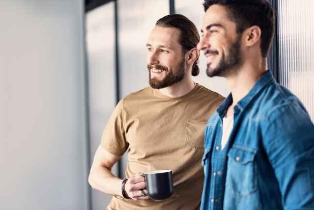 Αντροπαρέες ζωδίων! Τι συζητούν οι άντρες μεταξύ τους;
