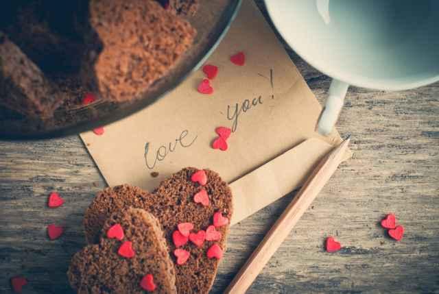 Σ' αγαπάει πραγματικά; Μάθε τι δηλώνει το ζώδιό του για τη σχέση σας!