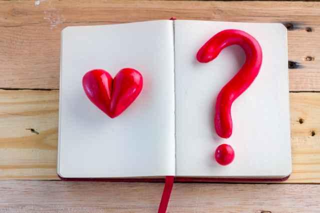 Αστρολογικό κουίζ! Είναι ερωτευμένος μαζί σου; Κάνε το τεστ, που θα σου δώσει την απάντηση!