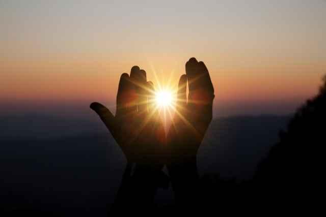 Προοδευμένος Ήλιος: Τι σημαίνει η αλλαγή ζωδίου του Ήλιου στο προοδευμένο ωροσκόπιο;