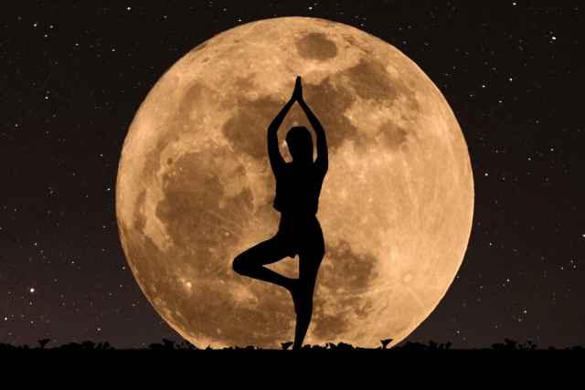 Η Σελήνη στον γενέθλιο χάρτη μας και ποιες δυνάμεις μας δίνει, μέσα από τις μυθικές ιστορίες των γυναικείων θεοτήτων.