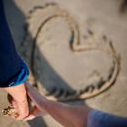 Οι 12 πιο διαδεδομένοι μύθοι του έρωτα και ποια ζώδια έχουν την τάση να τους πιστεύουν.