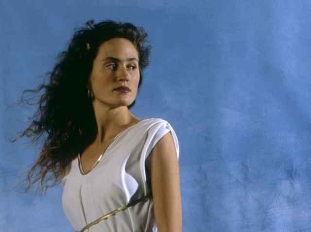Θεά Εστία και Ελληνική μυθολογία. Ποιά ήταν και τι συμβολίζει.