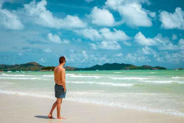 Οι 12 τύποι ανδρών που θα γνωρίσεις το καλοκαίρι στις διακοπές σου!