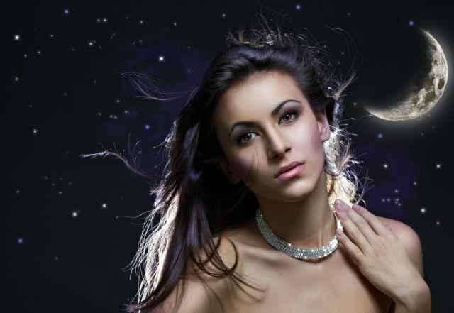 Τα άστρα σήμερα! Νέα Σελήνη στον Λέοντα ...αισιοδοξία και έρωτας