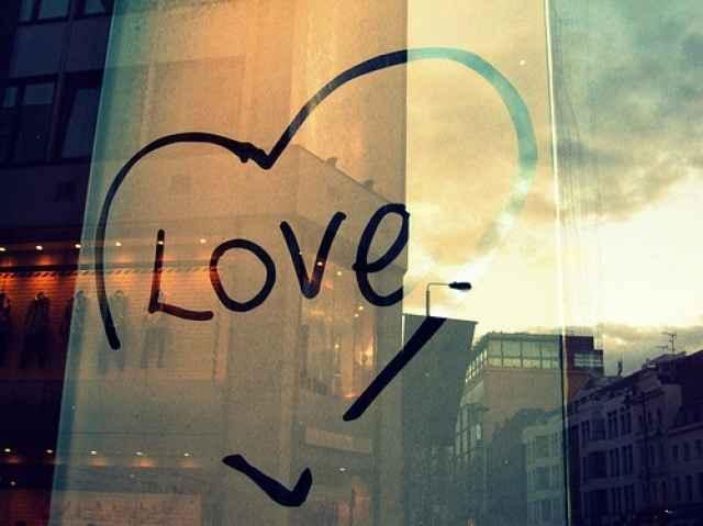 Δεν μ΄αγαπά πια: Τι να κάνεις όταν σε θεωρεί δεδομένη