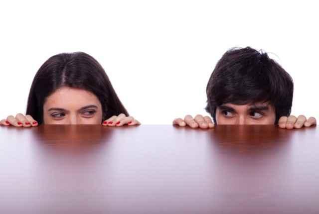 Για όσους δυσκολεύονται να φλερτάρουν και να κάνουν σχέση!