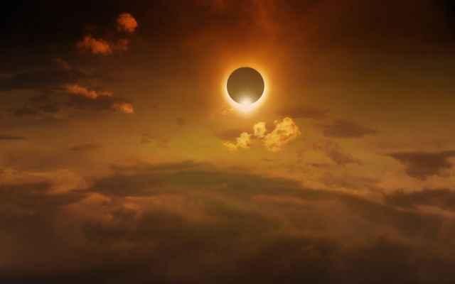 Η Ηλιακή έκλειψη στον Yδροχόο στις 15 Φεβρουαρίου 2018. Προβλέψεις για τα ζώδια.