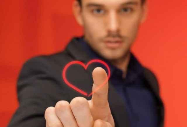 Πώς να τσεκάρεις αν κάποιος είναι ερωτευμένος μαζί σου