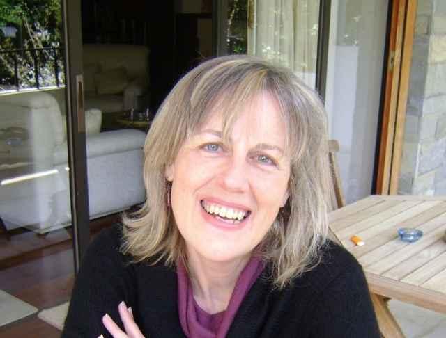 Βασιλική Τζουράκη: Δημοσιογράφος- Συγγραφέας