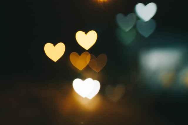 Τι πρέπει να ξέρεις για τον έρωτα, ανάλογα με το ζώδιό σου (και με επιστημονική απόδειξη)!