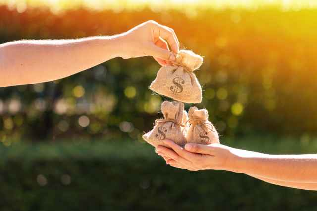 """Ζώδια και χρήμα. Γίνετε """"κροίσοι"""" μέσα στην κρίση. Από τον Γιώργο Ματσάγγο."""